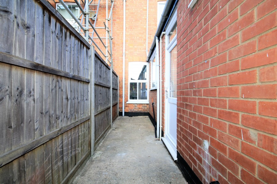 Images for Wood Street, Rugby EAID: BID:lifeinvestments